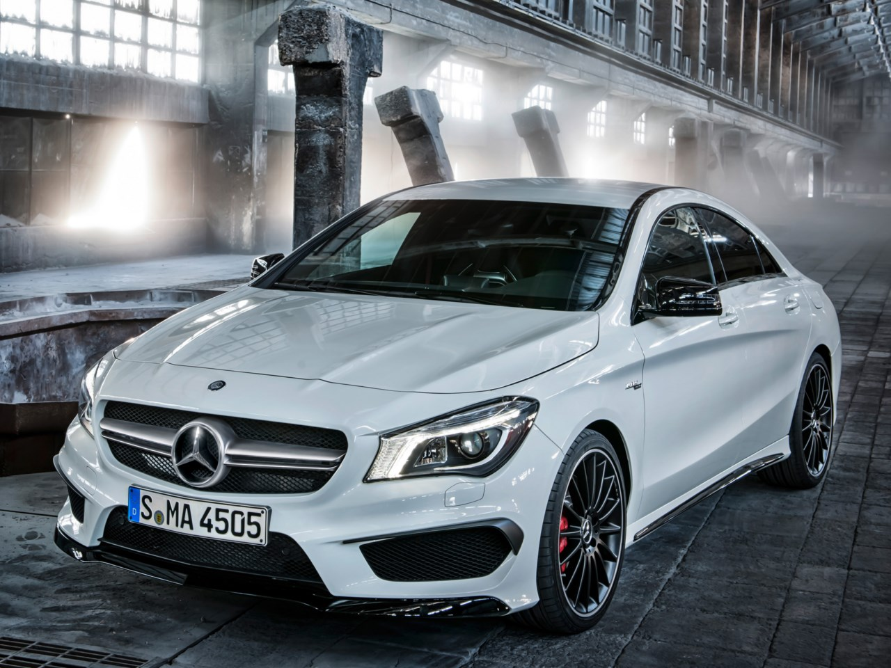 Mercedes benz cla 45 amg revista del motor for Mercedes benz amg cla 45