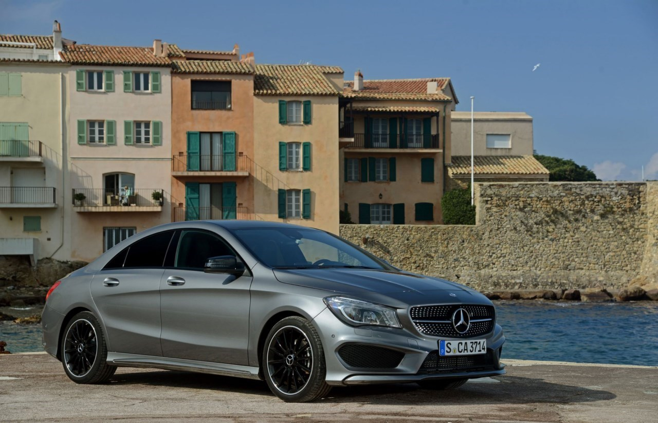 contacto mercedes benz cla revista del motor. Black Bedroom Furniture Sets. Home Design Ideas