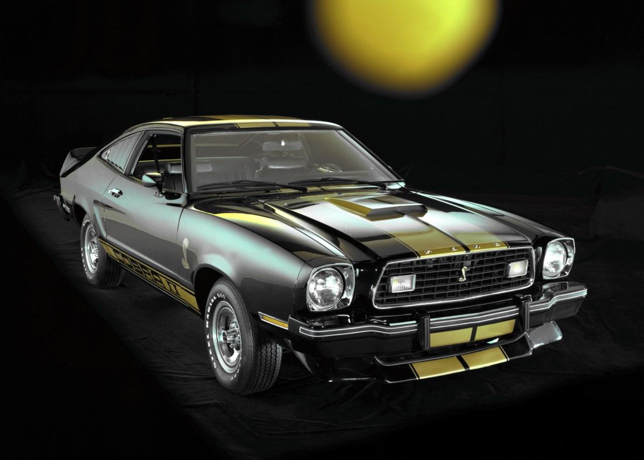 Ford conmemora los 50 a os del mustang revista del motor for Garage comos sauvian occasion
