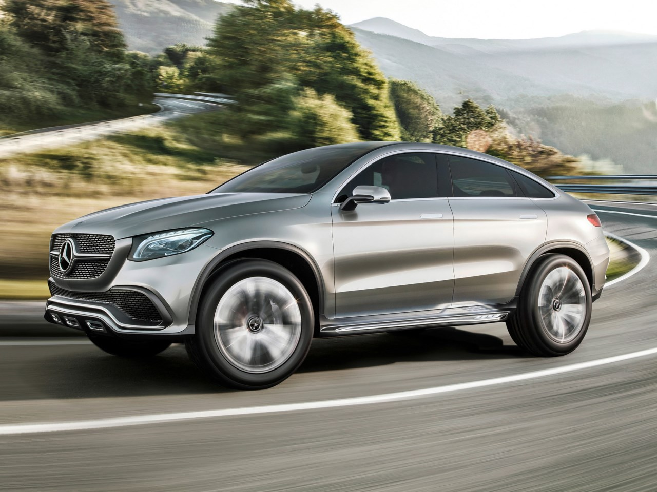 Mercedes benz concept coupe suv pret for Mercedes benz suv coupe