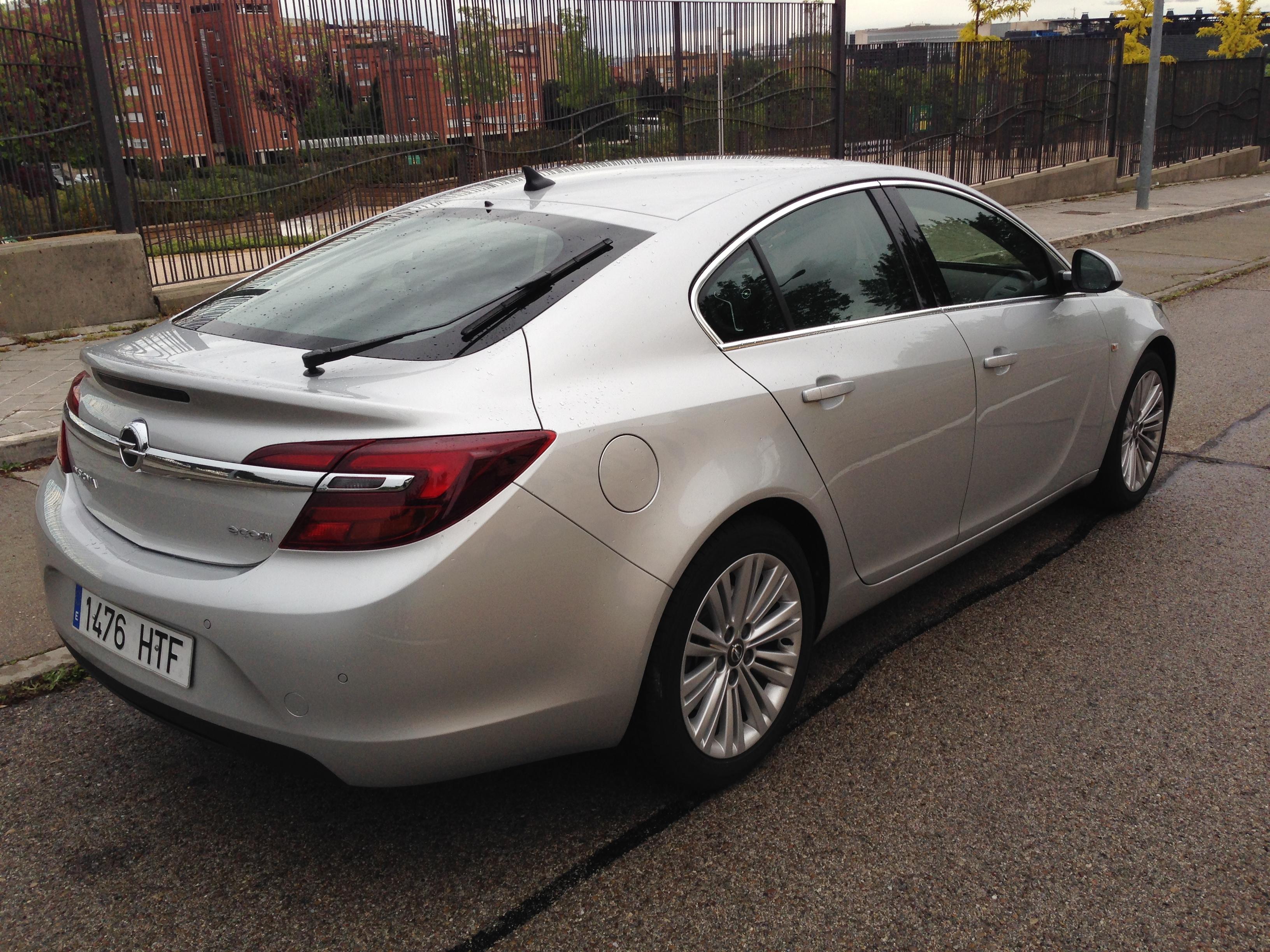 Prueba opel insignia 2 0 cdti 140 cv 5 puertas revista del motor - Opel astra 5 puertas ...