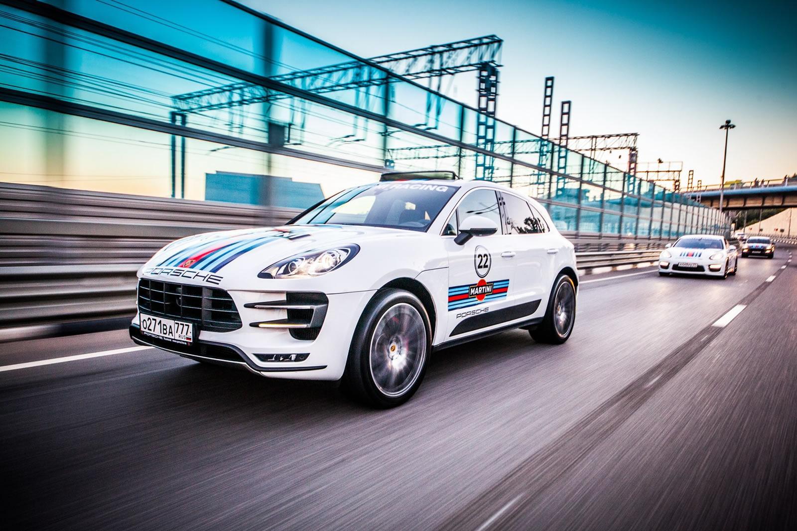 Martini Racing viste a los Porsche Panamera, Cayenne y Macan
