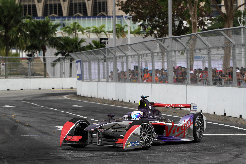 Sam Bird gana el ePrix de Putrajaya