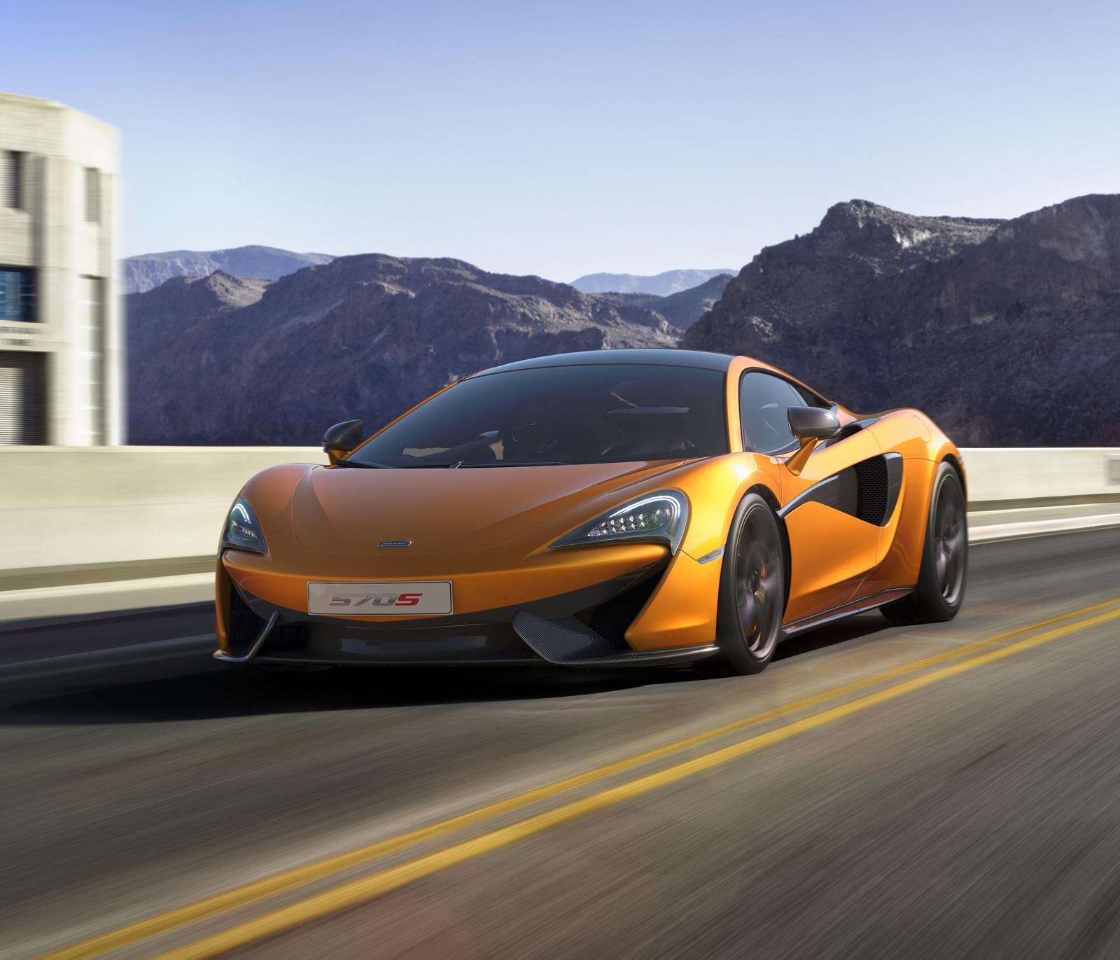 McLaren planta cara a Porsche con un nuevo coupé