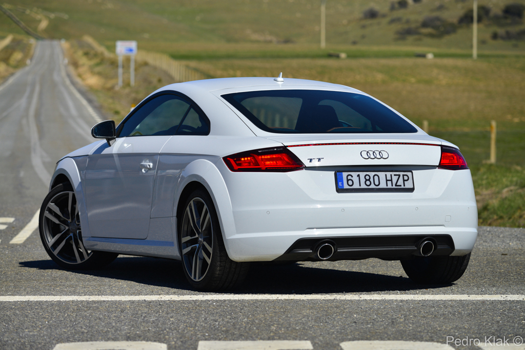prueba audi tt tfsi 230 cv y 2 0 tdi ultra 184 cv revista del motor. Black Bedroom Furniture Sets. Home Design Ideas