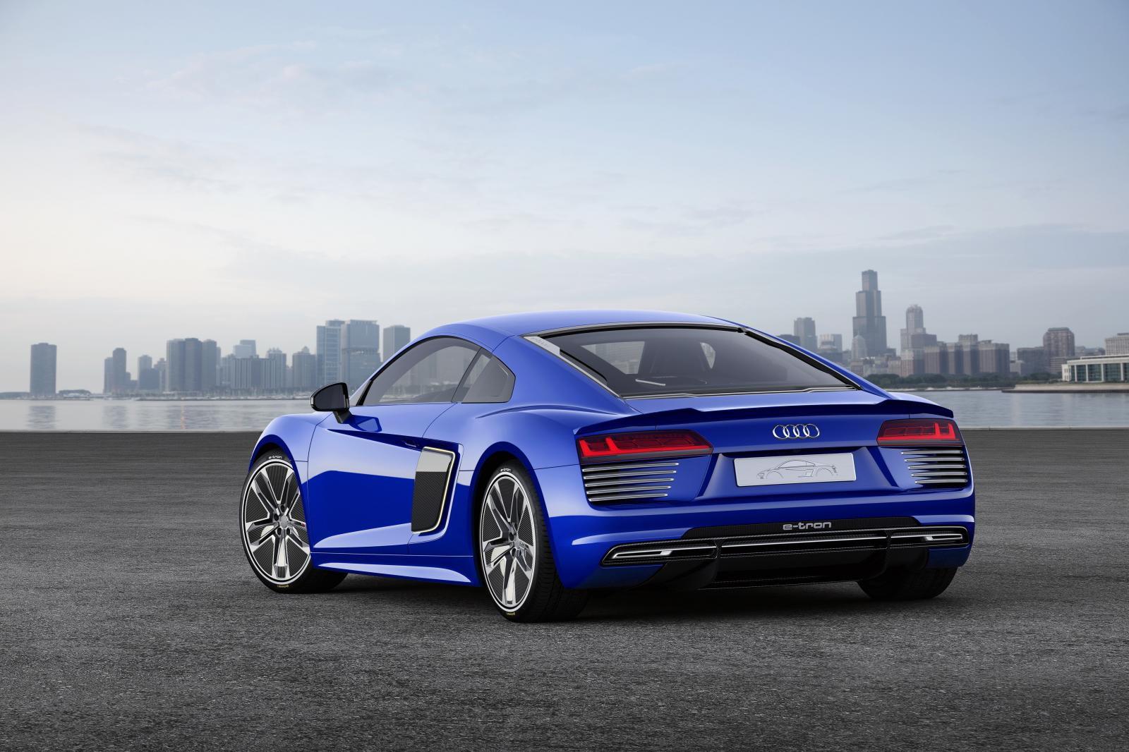 Audi presenta el R8 e-tron piloted driving concept