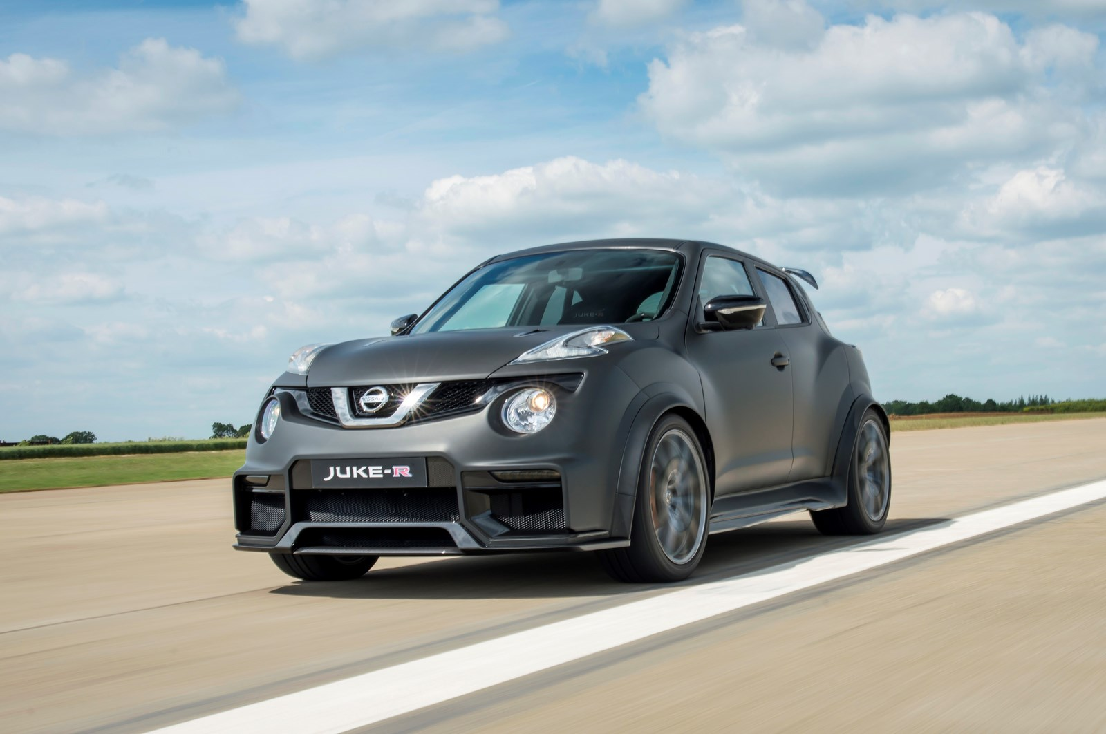 nissan juke r 2 0 una bestia urbana revista del motor. Black Bedroom Furniture Sets. Home Design Ideas