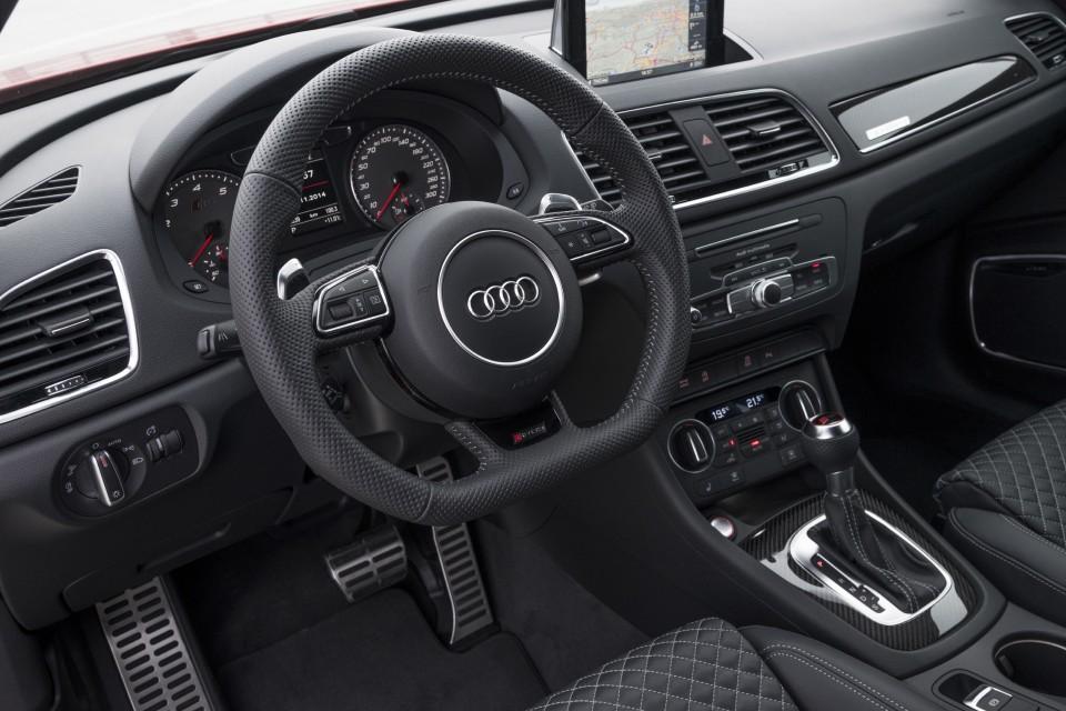 Audi-RS-Q3_15-960x640