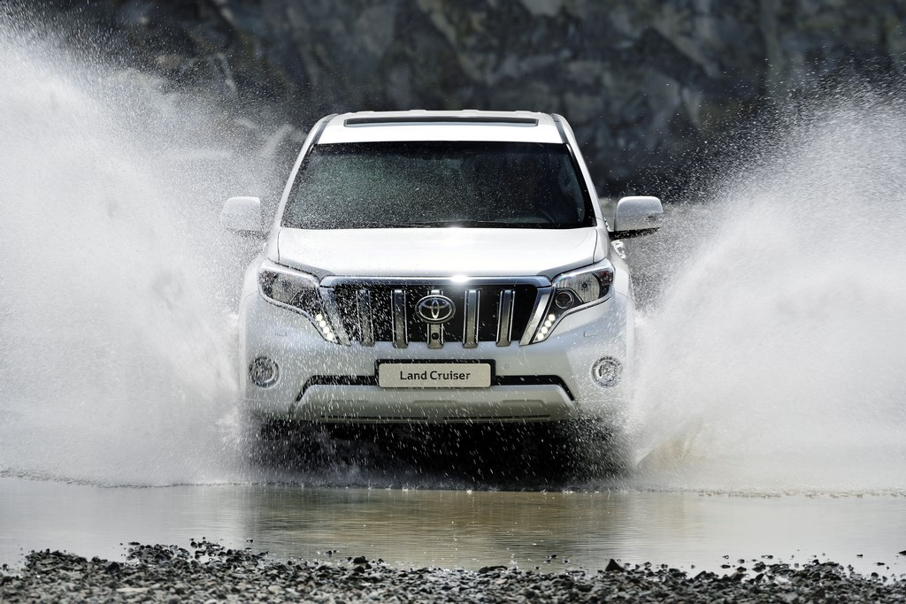 Toyota Land Cruiser 2015 (3)
