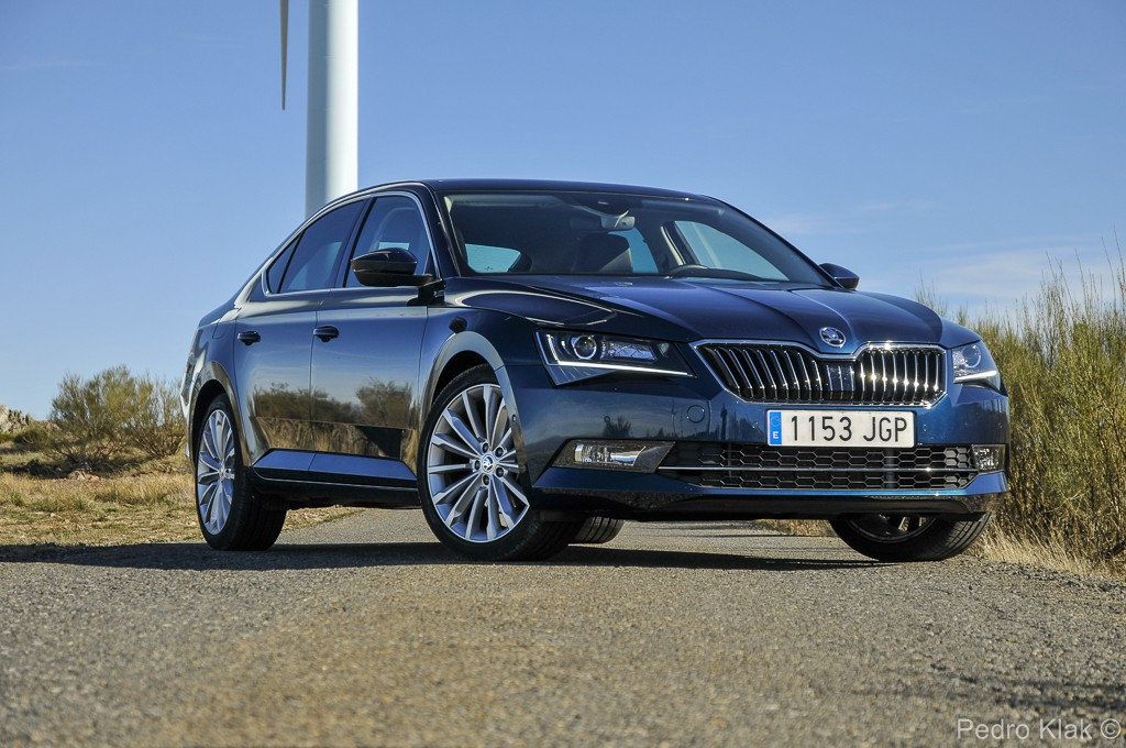 Skoda Superb_ext_10
