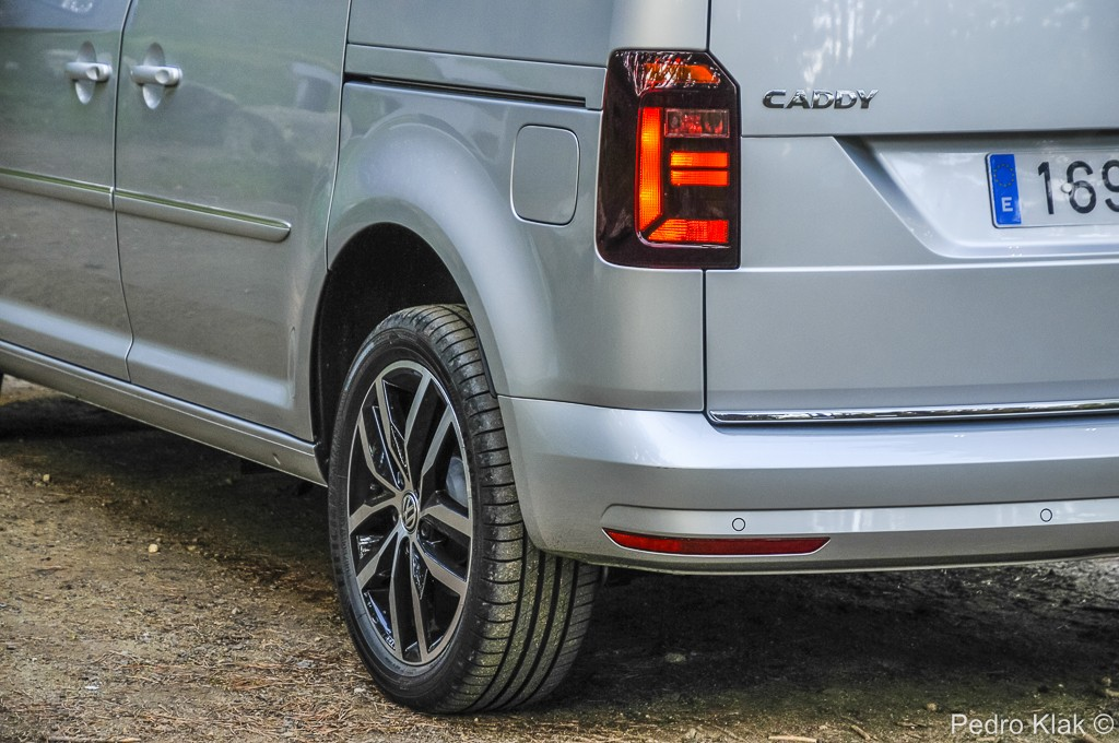 VW Caddy_exteriores_04
