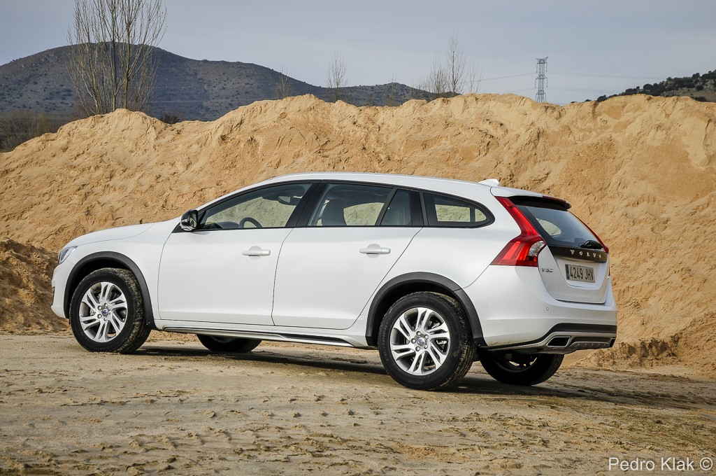 Volvo V60 Cross Country_75 2