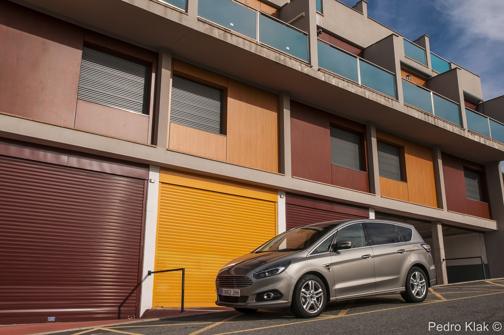 Ford S-Max_38