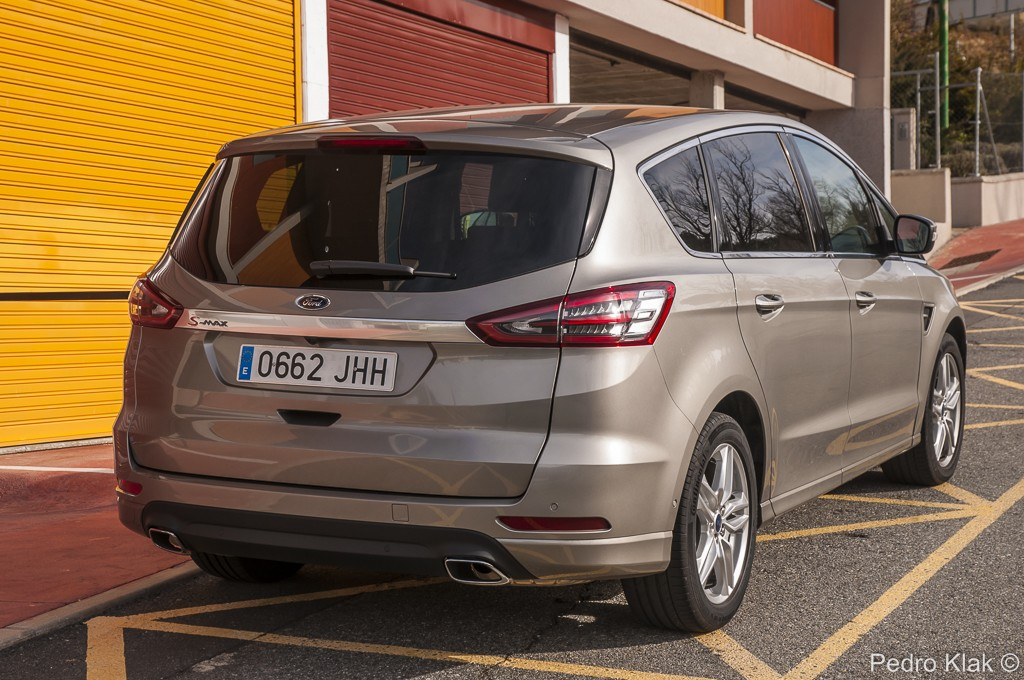 Ford S-Max_58