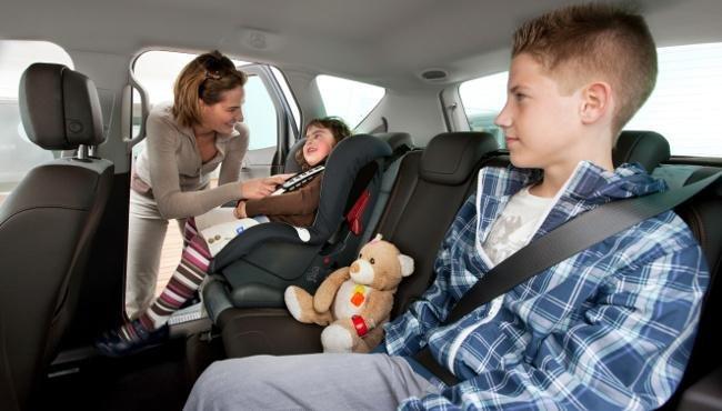 Resultado de imagen de viajar con niños en coche