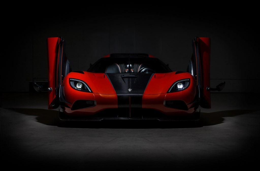 KOENIGSEGG 'ONE OF 1' – AGERA 'FINAL' (2)