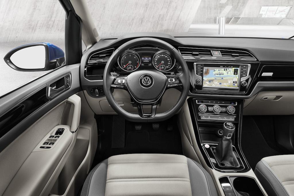 Volkswagen Touran TDI 150 Advance_int_(4)