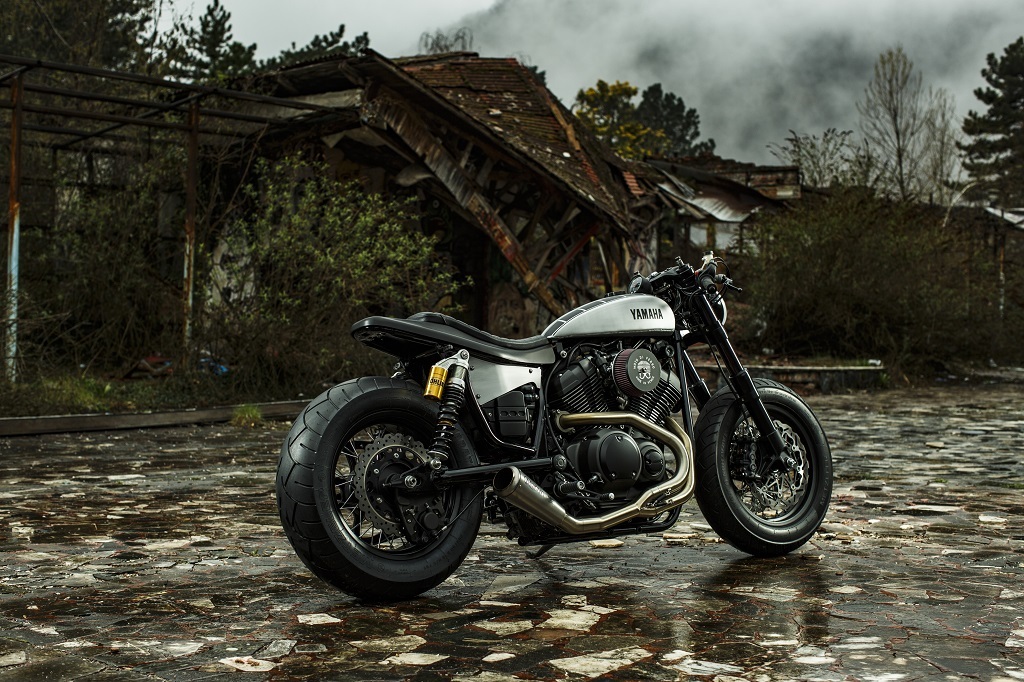 2016_YAM_XV950MOTODIFERRO_EU_CUSTOM_STAT_001