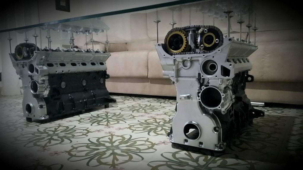Mesa con motores BMW M50