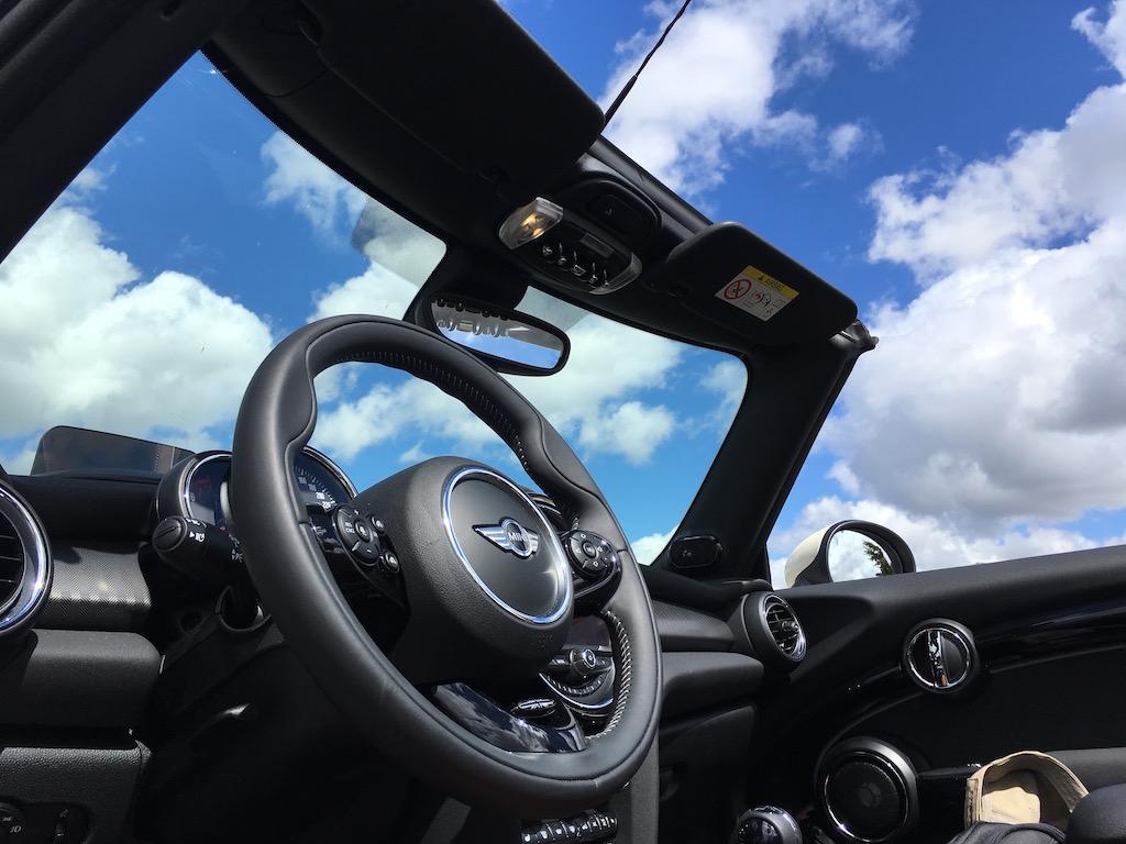 Mini Cabrio Cooper S_int_30