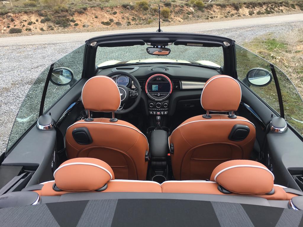 Mini Cabrio Cooper S_int_72