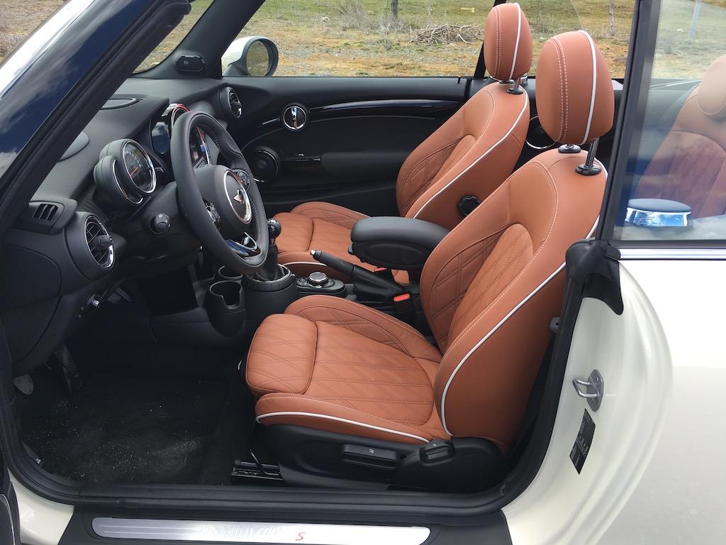 Mini Cabrio Cooper S_int_79