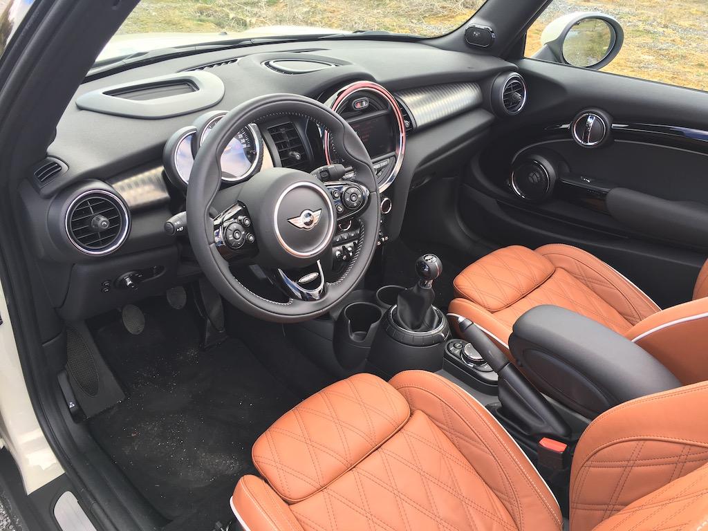 Mini Cabrio Cooper S_int_82