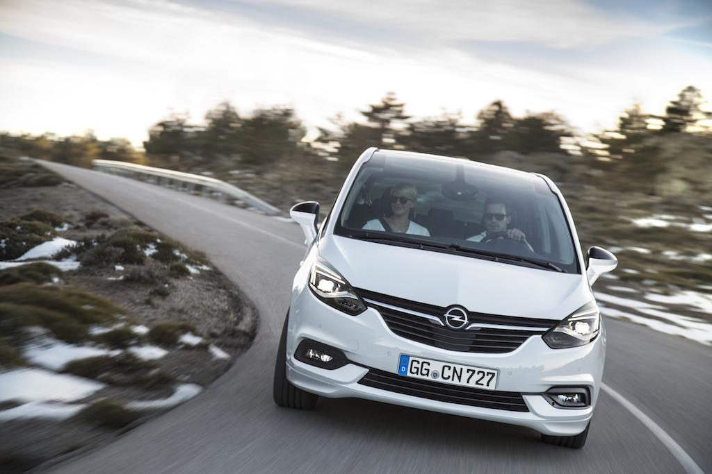 Opel-Zafira-300717