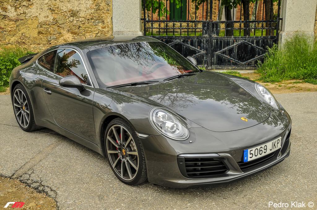 Porsche 911 Carrera S_12