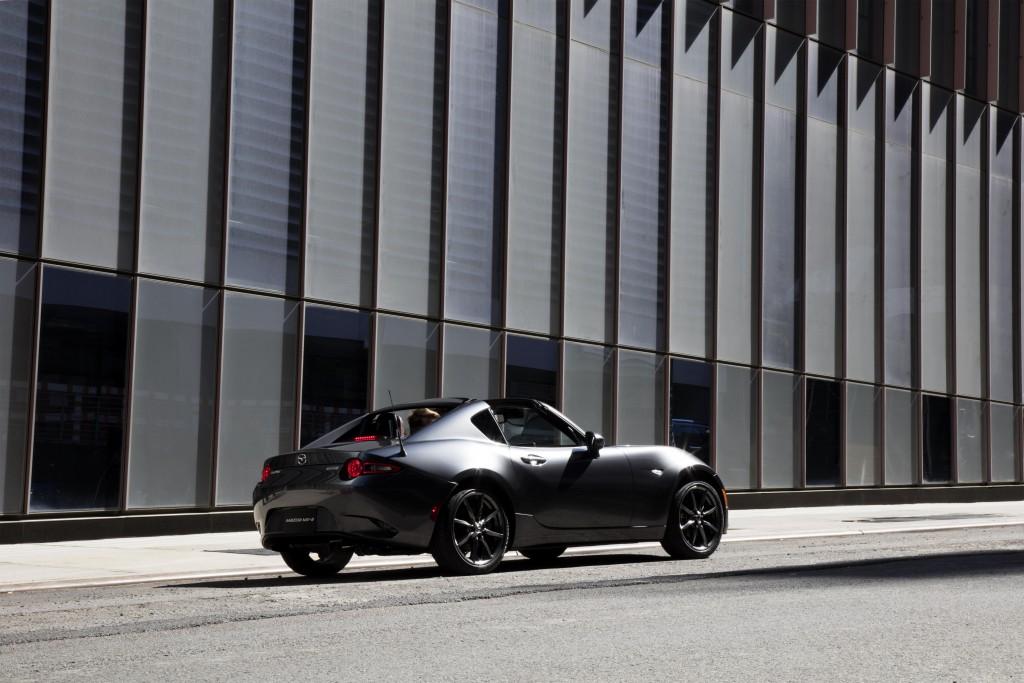 Mazda_MX-5RF_static_1