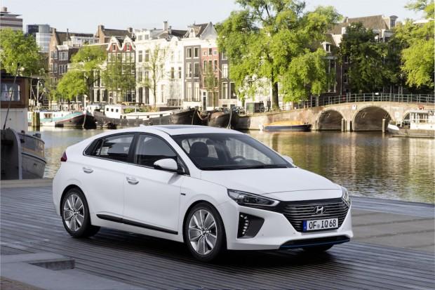 Hyundai IONIQ Hybrid (3)