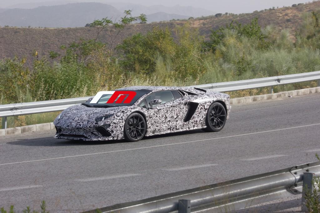 Lamborghini Aventador 2017 (2) - copia