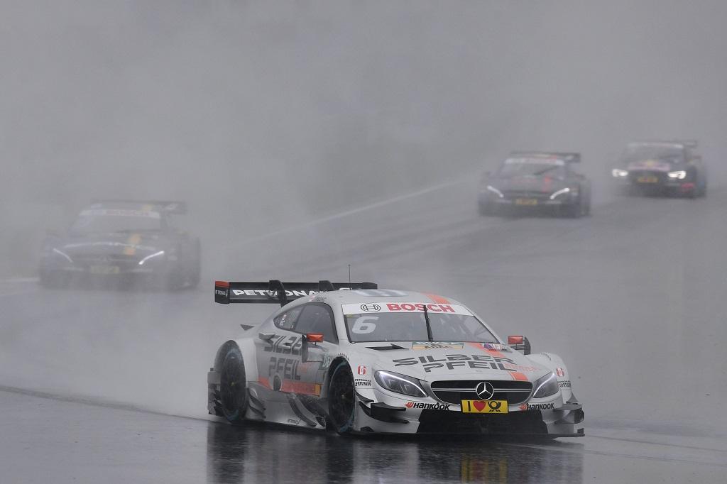 Robert Wicken en la primera carrera del DTM en Moscú
