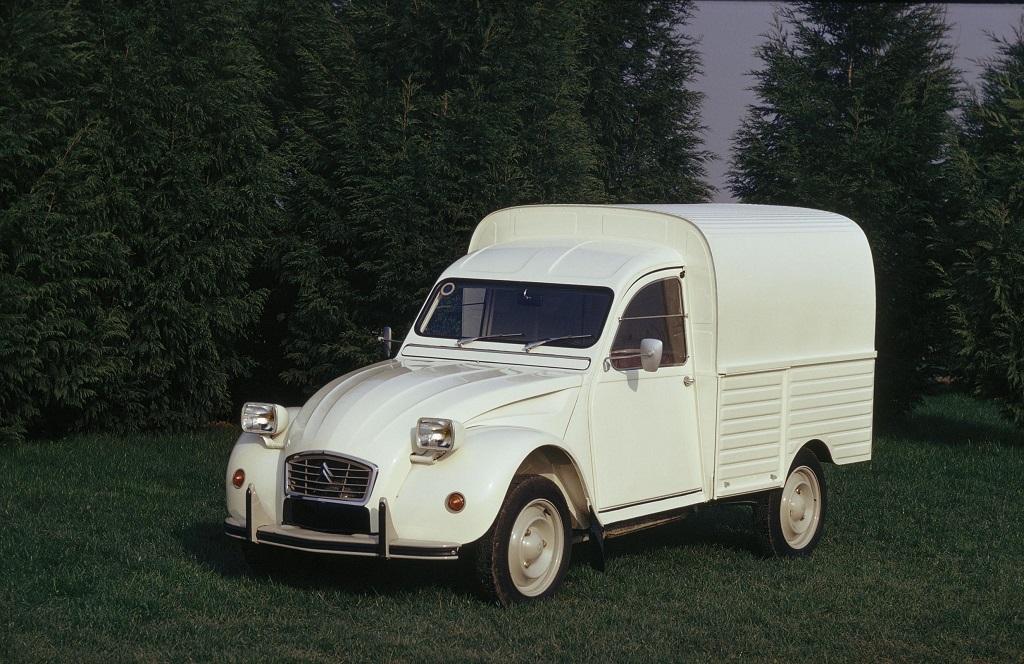 citro u00ebn conmemora los 65 a u00f1os del m u00edtico 2cv furgoneta