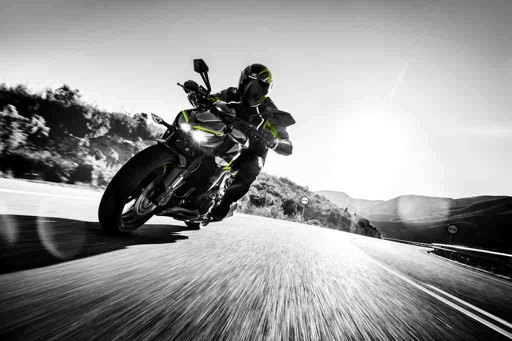 Nueva Kawasaki Z1000 R Edition, la Supernaked más radical