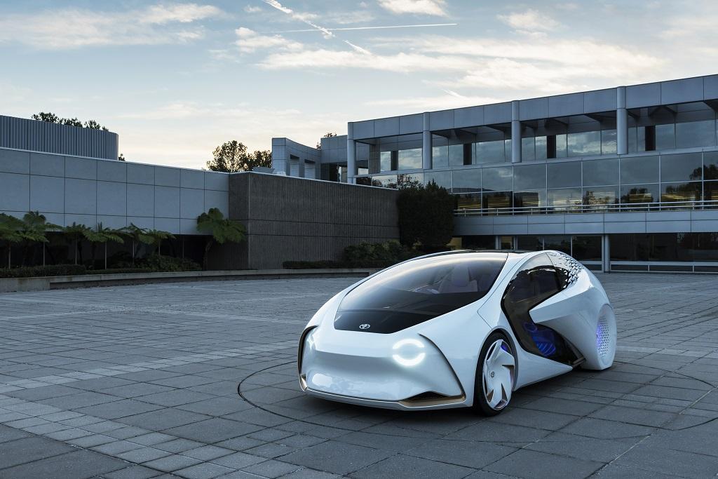 Toyota da su visión del vehículo del futuro con el Concept-i