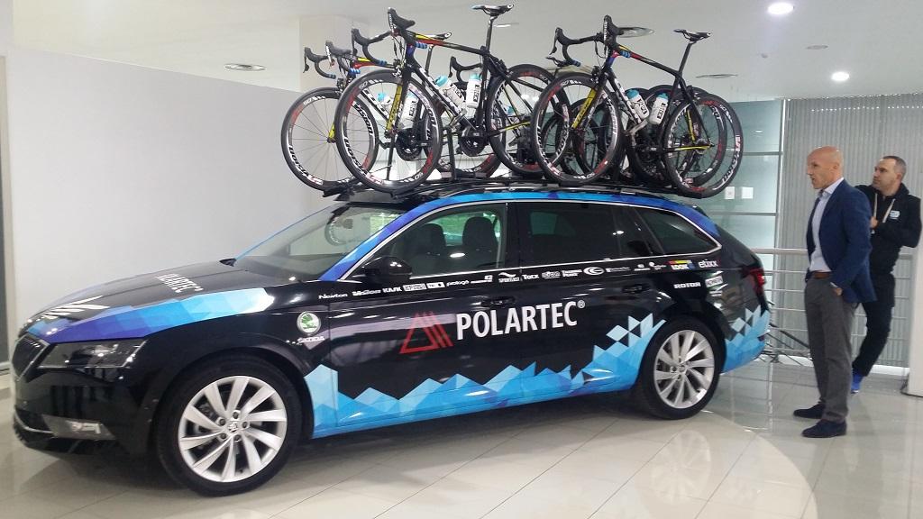El equipo Polartec Fundación Alberto Contador elige al Škoda Superb Combi