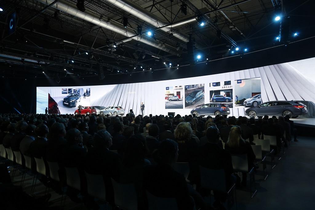 Hyundai revela su visión de futuro en una multitudinaria convención