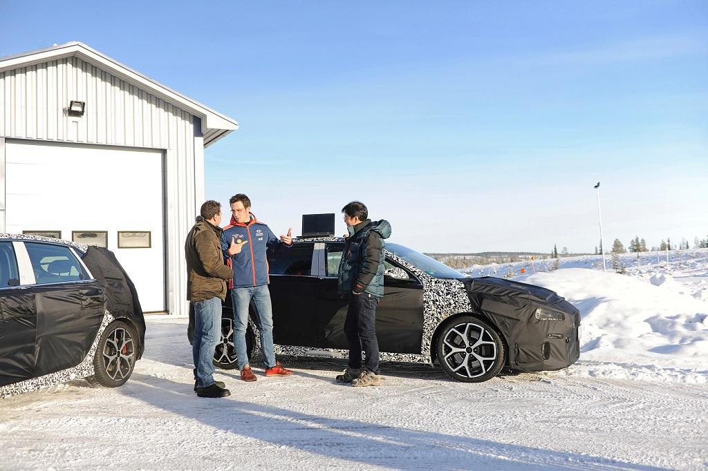 El Hyundai i30 N realiza pruebas invernales en Suecia con Thierry Neuville
