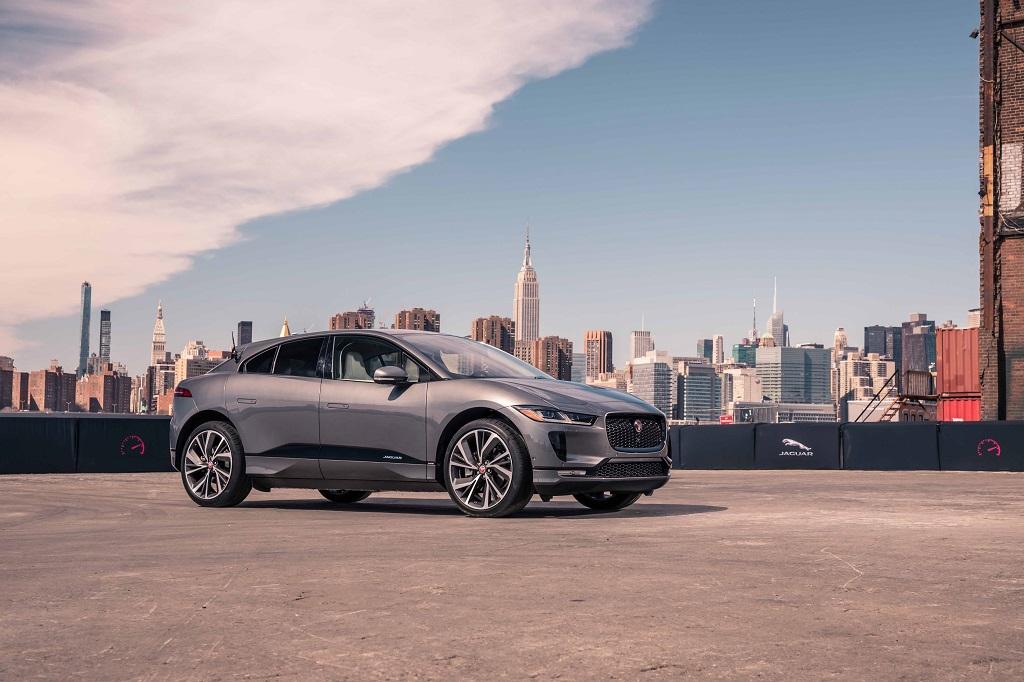 Jaguar F-PACE SVR: el modelo más rápido de la gama debutará en Nueva York